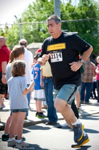 Joe Geronimo Binghamton Bridge Run 5K 2012. © Kirk Van Zandbergen