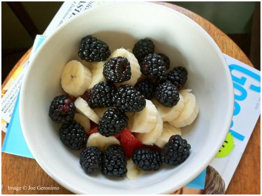 Blackberries, Strawberries & Bananas with a bit of vanilla yogurt.