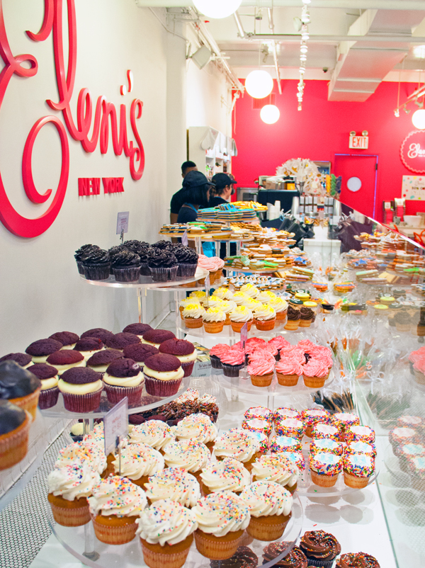 Every time a friend of mine goes to New York this is the first place I recommend them to go. I've ne ver been to NYC myself so get spoiled with elenis treats instead. Can't wait to make it there myself one day/5().