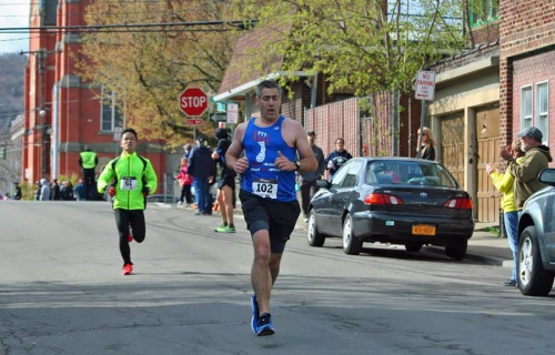 Joe Geronimo at the 2014 Binghamton Bridge RUn Half Marathon/5K Image © Harry Back Jr.