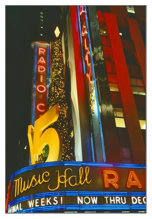 Radio City Music Hall December 26th 2007. Image © Joe Geronimo.