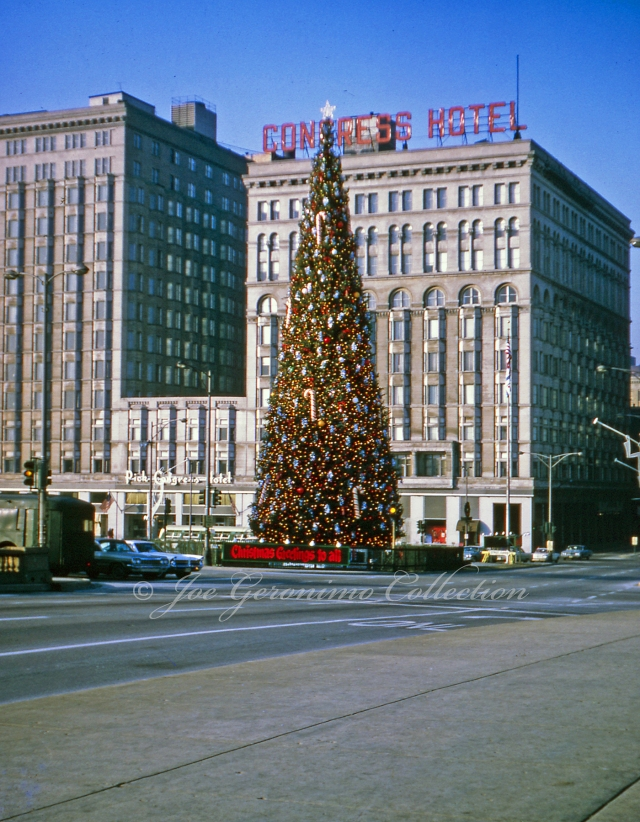 congress-hotel-chicago-il-december-1965_